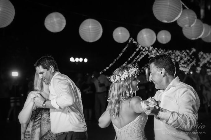 Tracey and Steve Wedding Day at The Istana Uluwatu by D'studio Photography Bali - 043