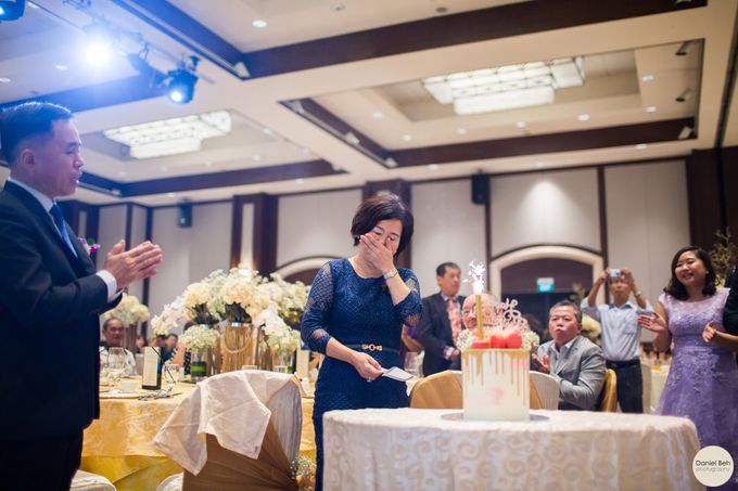 Kay Wee & Jiali wedding day in Swissotel Merchant Court by Daniel Beh Photography - 010