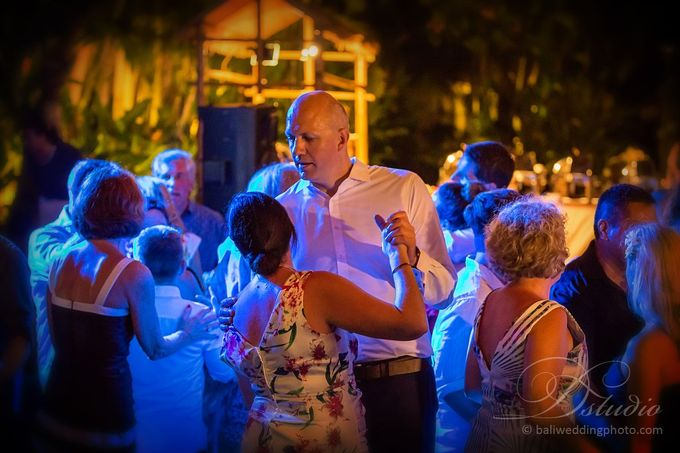 Tracey and Steve Wedding Day at The Istana Uluwatu by D'studio Photography Bali - 044