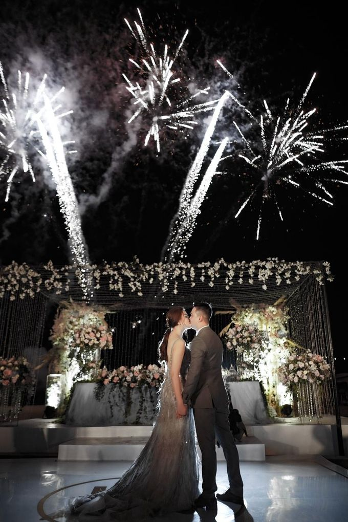 A night full of stars for Kendrick & Angelina by Vilia Wedding Planner - 023