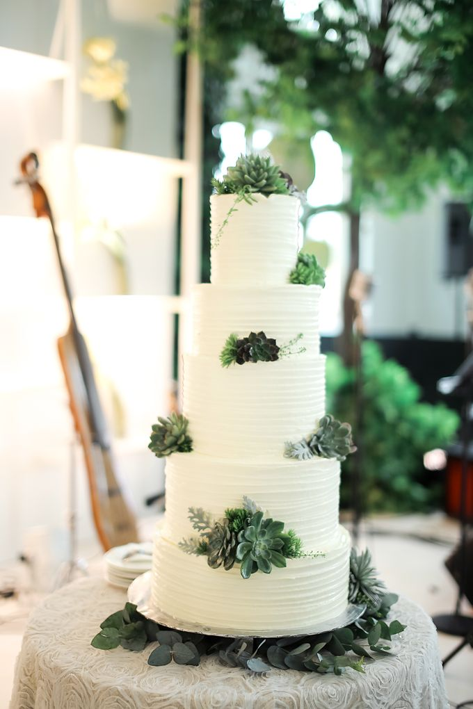 Wedding Cake - Agung & Ardilla by Lareia Cake & Co. - 001