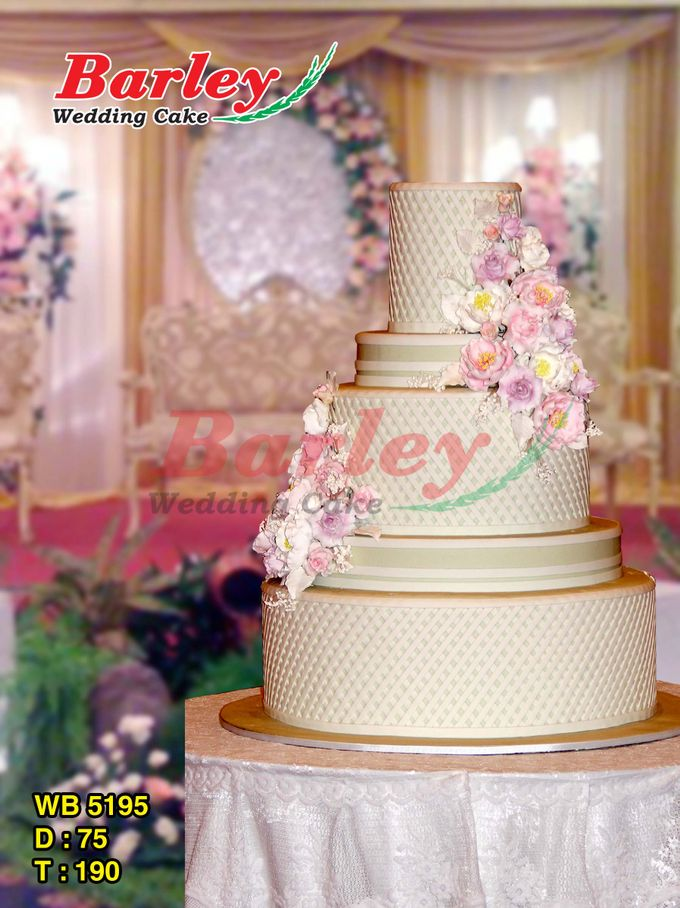 5 Tiers by Barley Cakes - 010