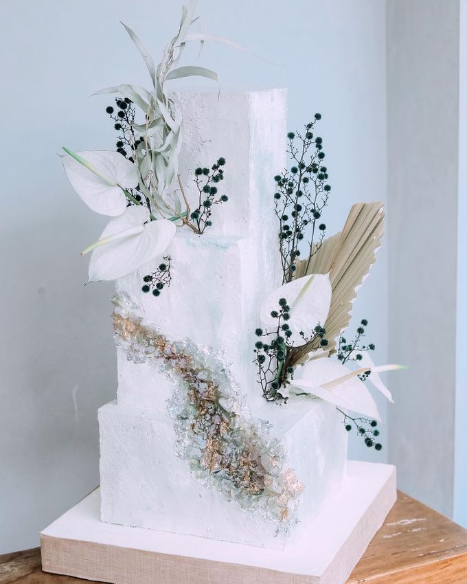 This Wedding is made intimate but not just that, every single details made personal to the bride and groom. In the midst of the pandemic, we understan by KAIA Cakes & Co. - 001