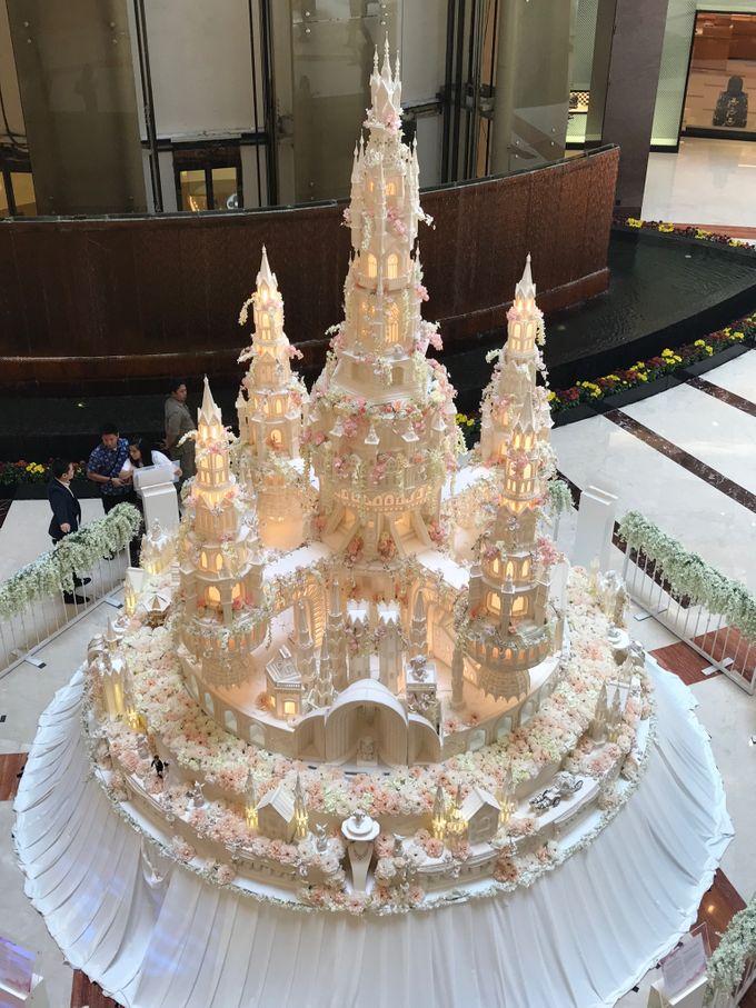Masterpiece and Signature Wedding Cakes by LeNovelle Cake - 029