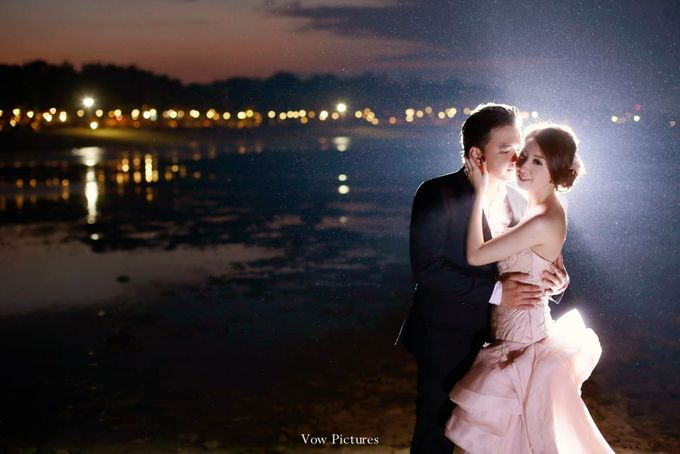 Truly Madly Deeply - Hendratama and Anastasia Prewedding by Antony by Vow Pictures - 024