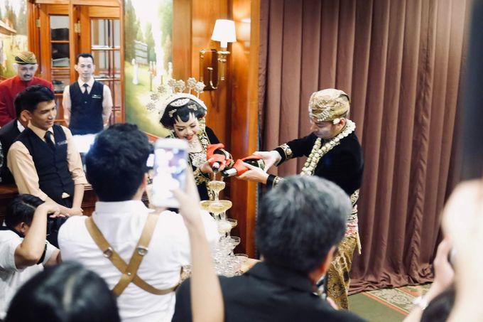 Sisi & Arnaud Wedding by HENRY BRILLIANTO - 011