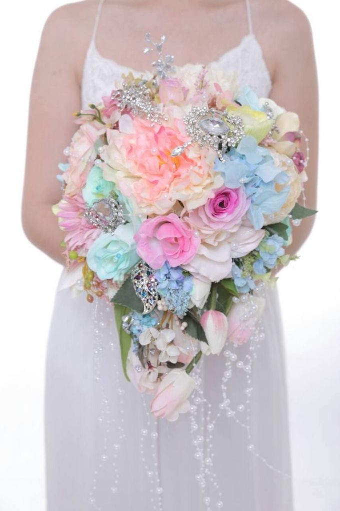 ENCHANTED WEDDING BOUQUET by LUX floral design - 037
