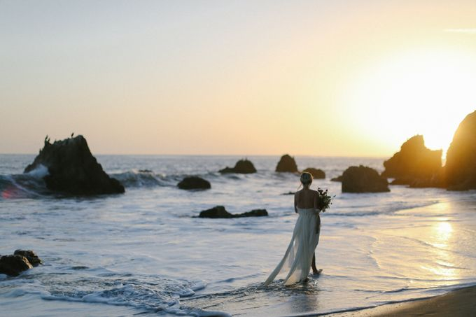 Sunset Elopement Inspiration on Malibu Coast by Honour and Blessing Events - 001