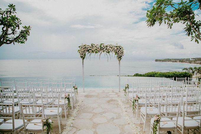 wedding styling at bayuh sabbha balivip wedding bridestory