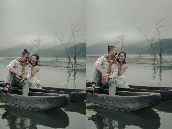 PRE - WEDDING EDWIN & YOMEDIKA BY RIO YAPARI by All Seasons Photo - 003