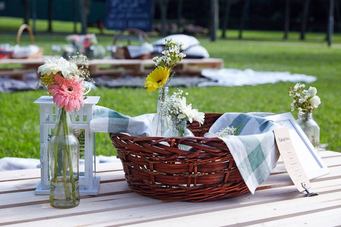 Picnic Wedding at the Park by Megu Weddings - 001
