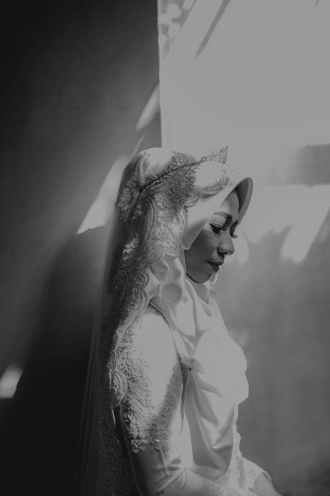 Aisyah & Aziz Wedding at Azila Villa by AKSA Creative - 003