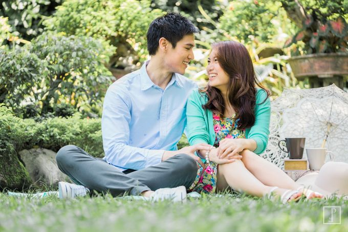 College Sweethearts  School Themed Engagement session with an Elegant twist by Bride Idea - 002