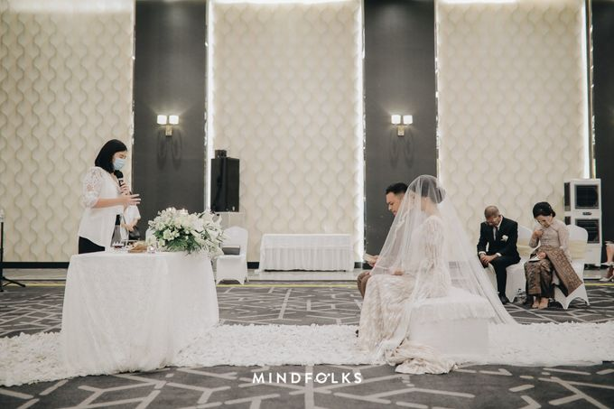 Holy Matrimony Moment at Menara Mandiri by  Menara Mandiri by IKK Wedding (ex. Plaza Bapindo) - 007