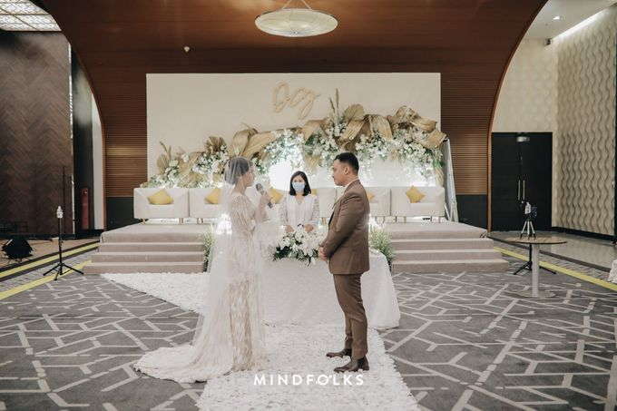 Holy Matrimony Moment at Menara Mandiri by  Menara Mandiri by IKK Wedding (ex. Plaza Bapindo) - 001