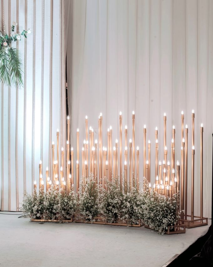 Mr Kevin & Mrs  Ertika Wedding by Veéh Floral Atelier - 009