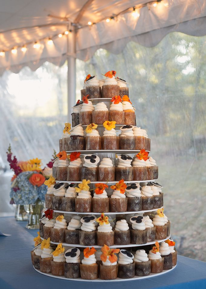 Wedding cakes and cupcakes by CUPCAKES COMPANY - 013