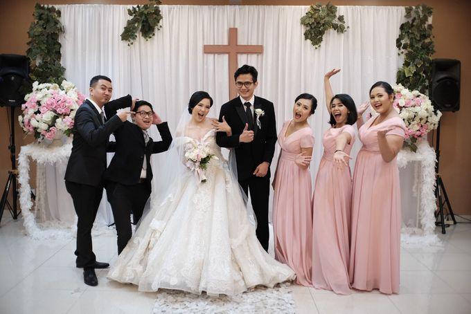 Adri & Teresia Wedding by deVOWed Wedding & Event Planner - 010