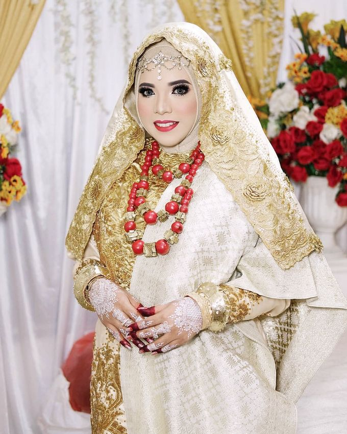 An Elegant Minang Wedding with a Contemporary Touch by SLIGHTshop.com - 001