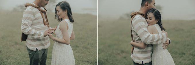PRE - WEDDING EDWIN & YOMEDIKA BY RIO YAPARI by All Seasons Photo - 008