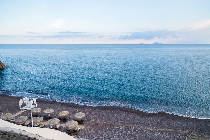Beach wedding in Santorini by Red Knot Weddings & Events - 010