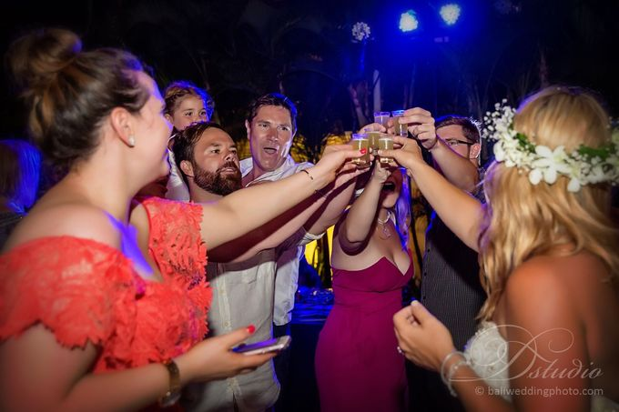 Tracey and Steve Wedding Day at The Istana Uluwatu by D'studio Photography Bali - 045