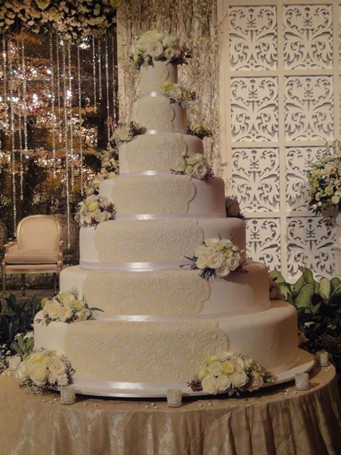 7 tiers Wedding Cake by LeNovelle Cake - 010