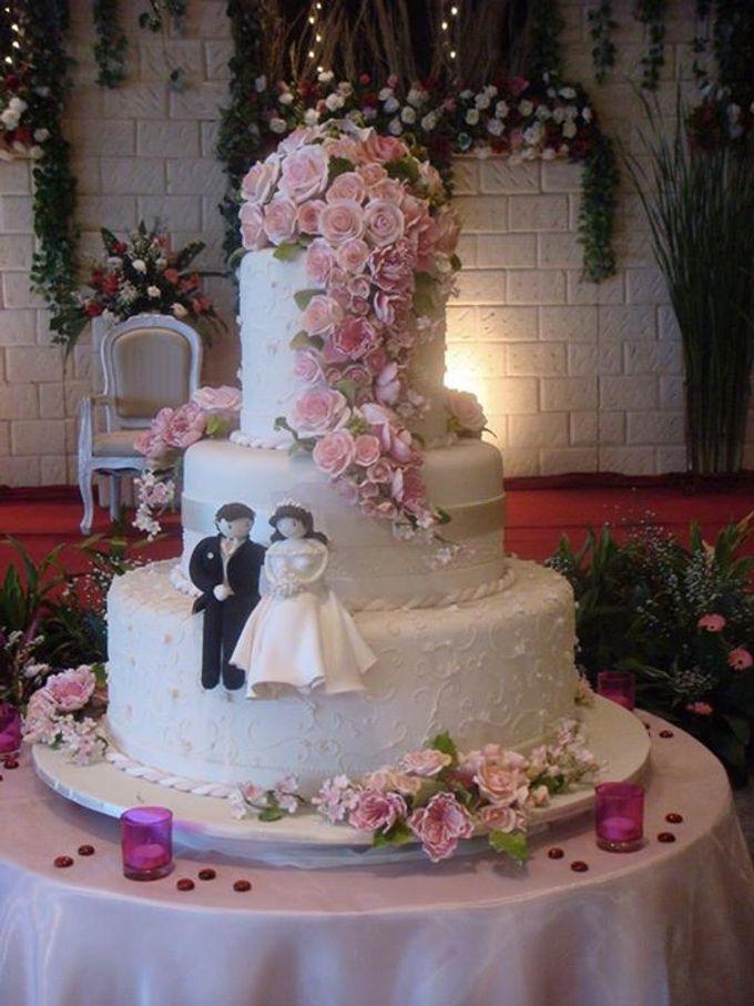 3 layers wedding cakes by LeNovelle Cake - 010