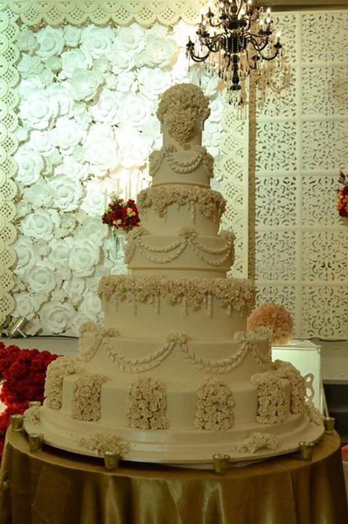 7 tiers Wedding Cake by LeNovelle Cake - 013