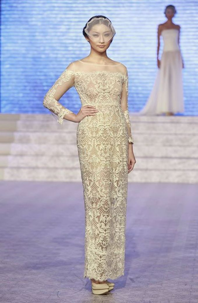 Catalyst from FLESH TO DUST Bridal Spring Summer 2015 - Runway Photo by Bramanta Wijaya Sposa - 015