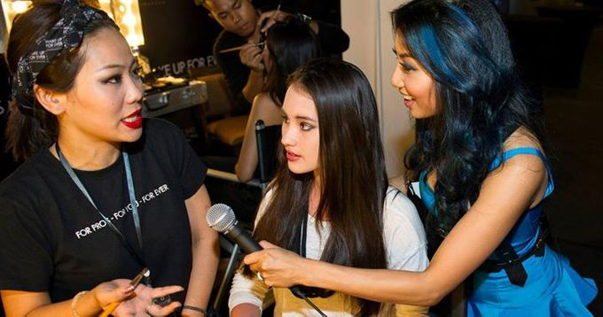 Backstage/Fashion Show by Amber Liu Make up and Hair  - 001