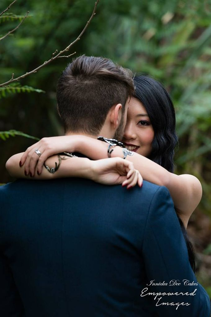Bridal Photoshoot in the Dandenong Mountans by Innicka Dee Cakes - 008