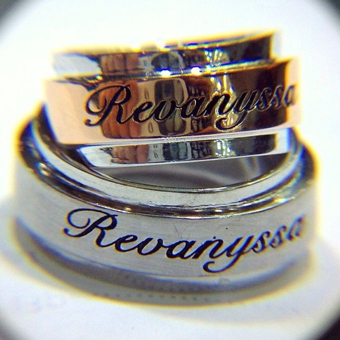 wedding ring engrave & finger print d'sign by V&Co Jewellery - 028
