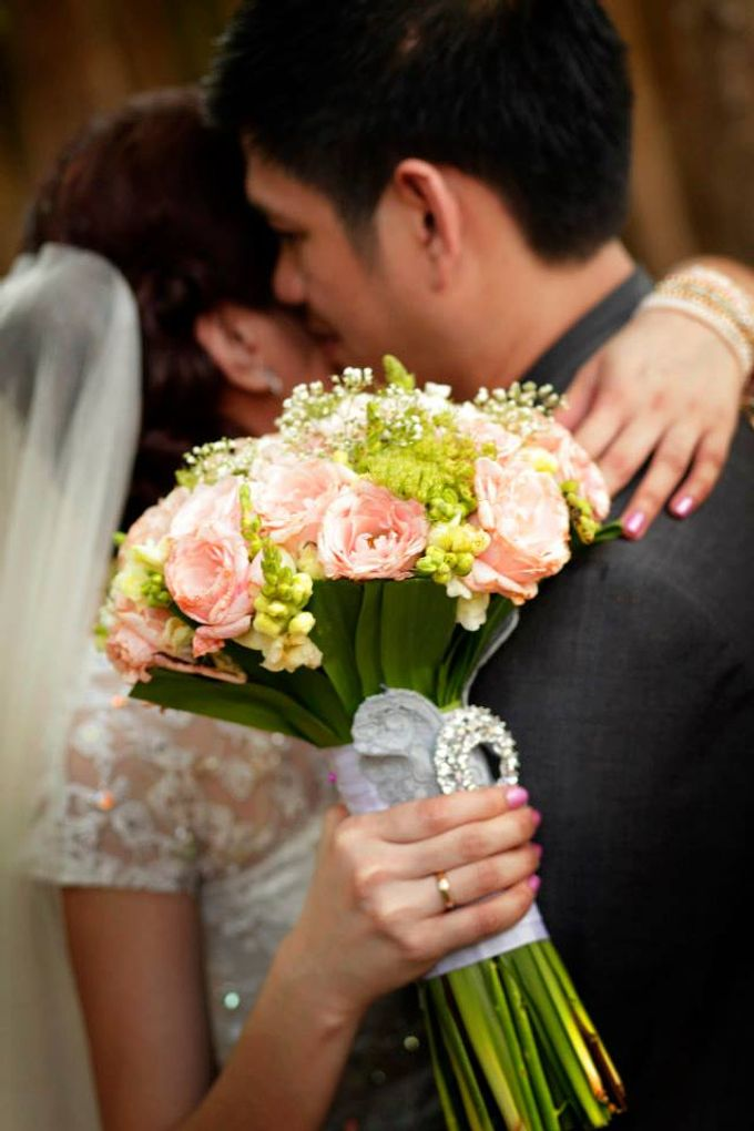 Peach and Silver Pastel Wedding by Marga Florist - 005