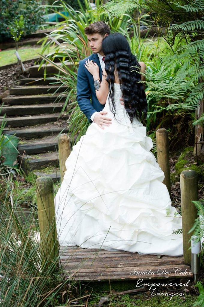 Bridal Photoshoot in the Dandenong Mountans by Innicka Dee Cakes - 010