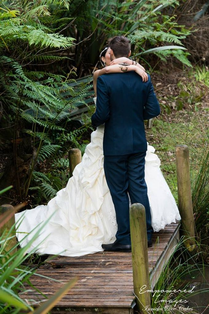 Bridal Photoshoot in the Dandenong Mountans by Innicka Dee Cakes - 011
