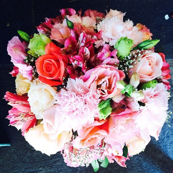 Bouquets  by Weddings by TV - 006