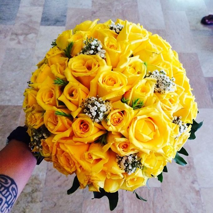 Bouquets  by Weddings by TV - 005