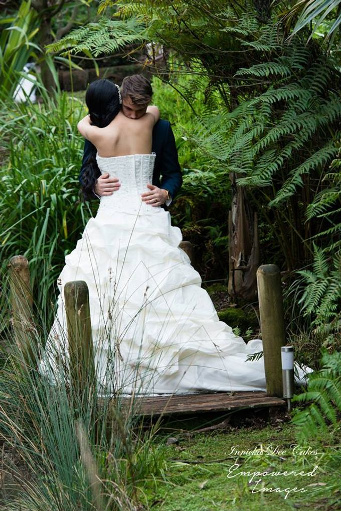 Bridal Photoshoot in the Dandenong Mountans by Innicka Dee Cakes - 024