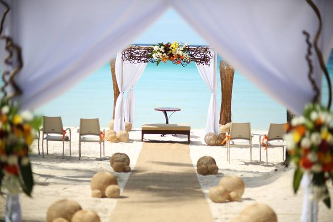 Beach Wedding at The District Boracay by The District Boracay - 008