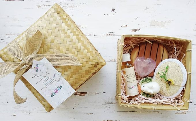 Rustic Hampers With Besek Sokase by The Rustic Soap - 003