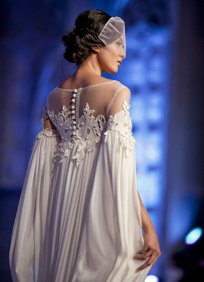 Catalyst from FLESH TO DUST Bridal Spring Summer 2015 - Runway Photo by Bramanta Wijaya Sposa - 024
