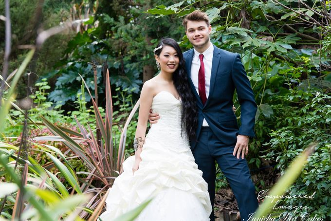 Bridal Photoshoot in the Dandenong Mountans by Innicka Dee Cakes - 030