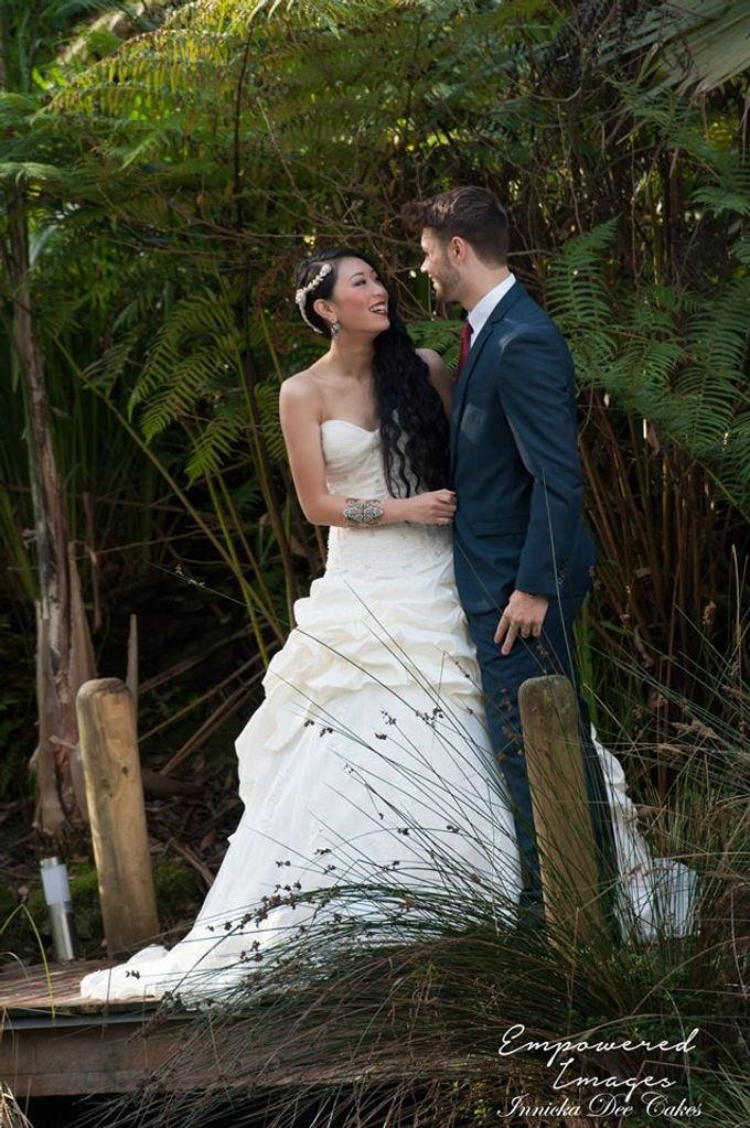 Bridal Photoshoot in the Dandenong Mountans by Innicka Dee Cakes - 031