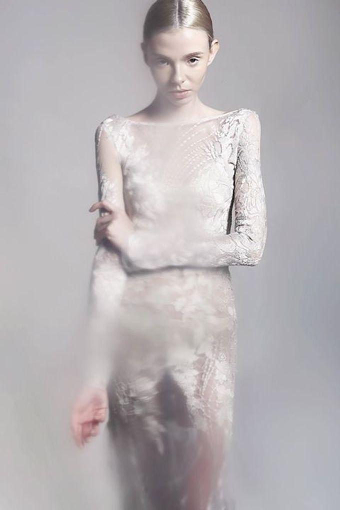 Flesh to Dust Spring Summer 2015 RTW and Bridal by Bramanta Wijaya Sposa - 008