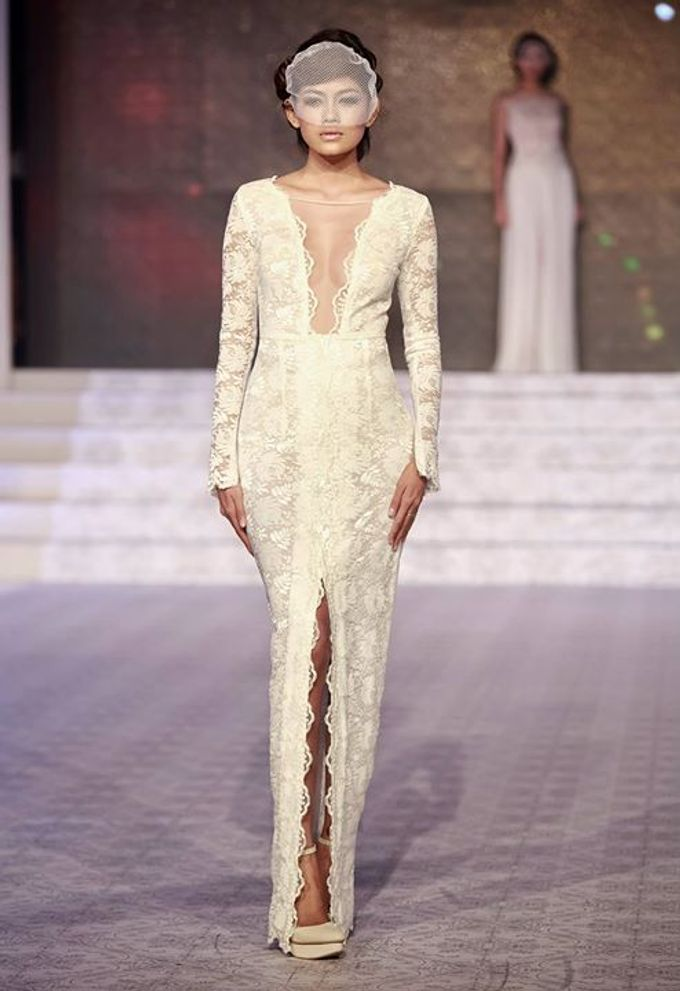 Catalyst from FLESH TO DUST Bridal Spring Summer 2015 - Runway Photo by Bramanta Wijaya Sposa - 002