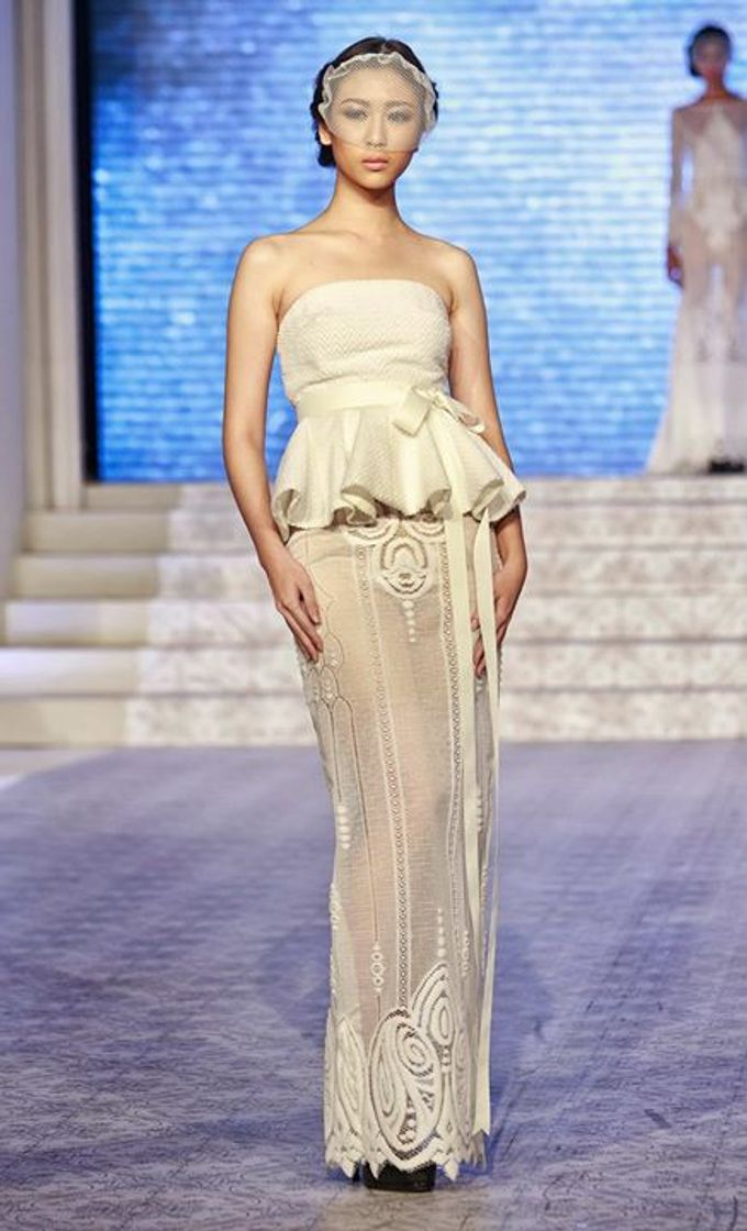 Catalyst from FLESH TO DUST Bridal Spring Summer 2015 - Runway Photo by Bramanta Wijaya Sposa - 010
