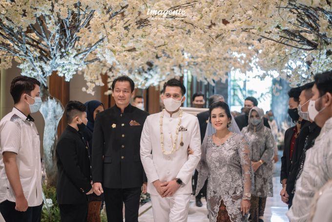 Eva & Fikriel Wedding by Petty Kaligis - 019