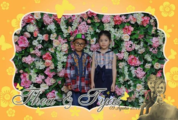 the wedding of Tyas & Thea by HELLOCAM PHOTOCORNER - 006