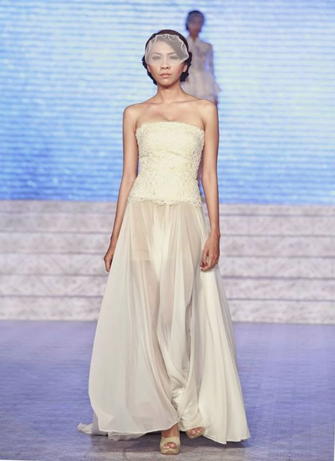 Catalyst from FLESH TO DUST Bridal Spring Summer 2015 - Runway Photo by Bramanta Wijaya Sposa - 017